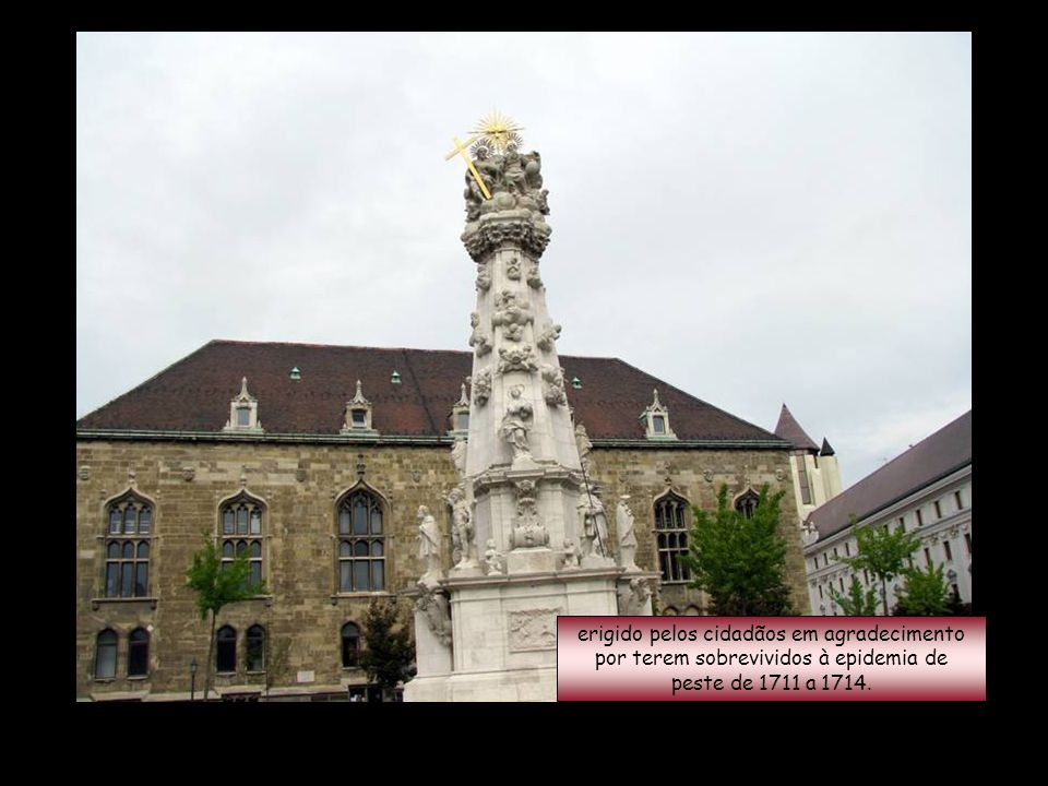 Monumento à Santíssima Trindade...