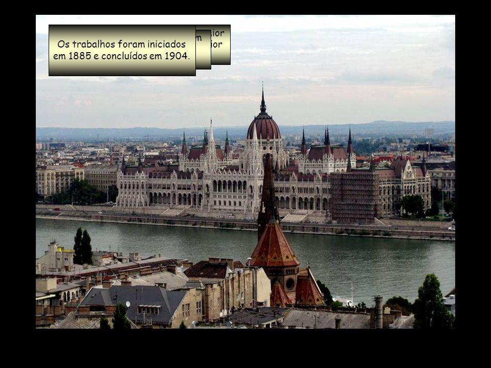Os trabalhos foram iniciados em 1885 e concluídos em 1904.