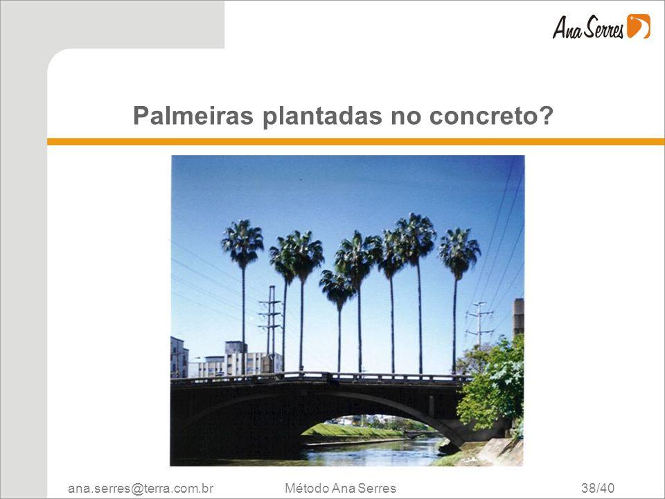 Palmeiras plantadas no concreto