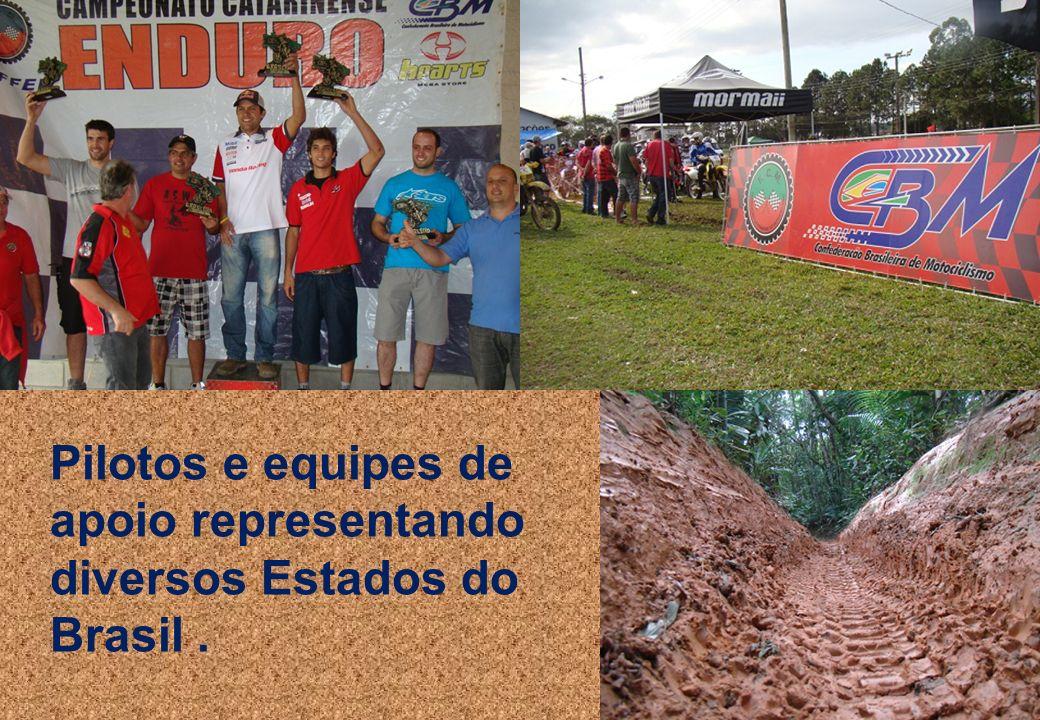 Pilotos e equipes de apoio representando diversos Estados do Brasil .