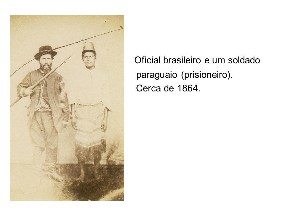 Oficial brasileiro e um soldado
