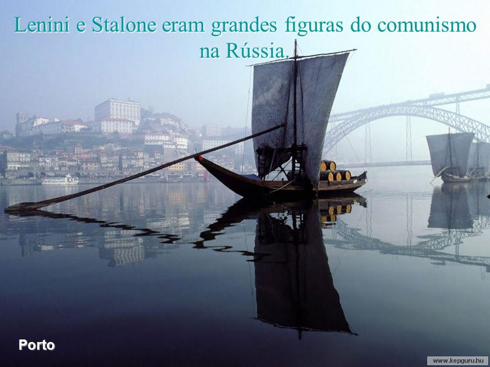 Lenini e Stalone eram grandes figuras do comunismo na Rússia.