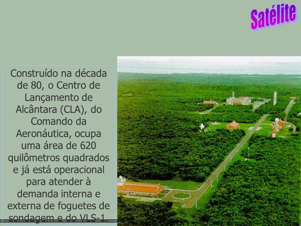 Construído na década de 80, o Centro de Lançamento de Alcântara (CLA), do Comando da Aeronáutica, ocupa uma área de 620 quilômetros quadrados e já está operacional para atender à demanda interna e externa de foguetes de sondagem e do VLS-1.