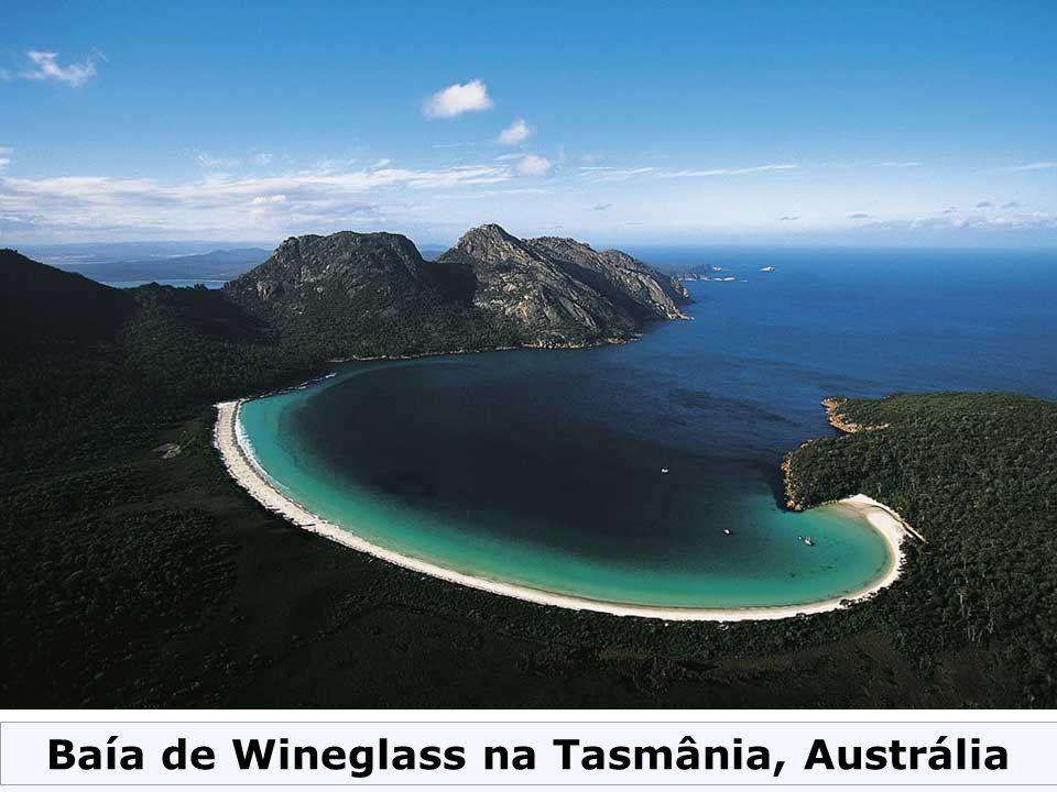 Baía de Wineglass na Tasmânia, Austrália