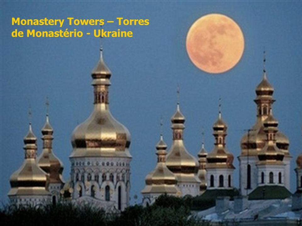 Monastery Towers – Torres de Monastério - Ukraine