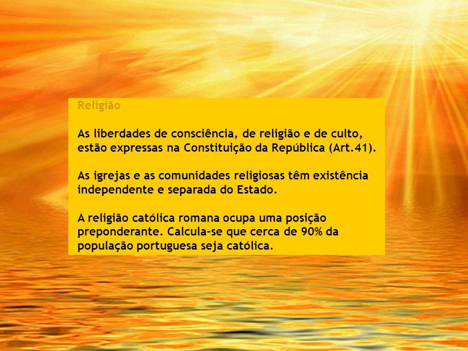 Religião As liberdades de consciência, de religião e de culto, estão expressas na Constituição da República (Art.41).