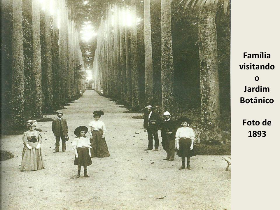 Família visitando o Jardim Botânico Foto de 1893