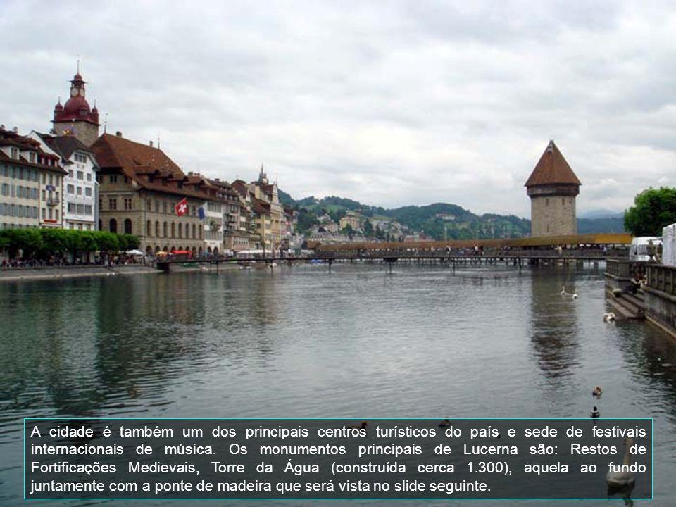A cidade é também um dos principais centros turísticos do país e sede de festivais internacionais de música.