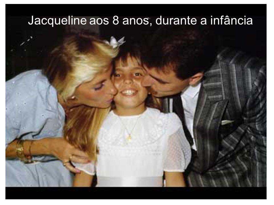 Jacqueline aos 8 anos, durante a infância