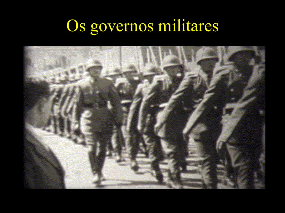Os governos militares