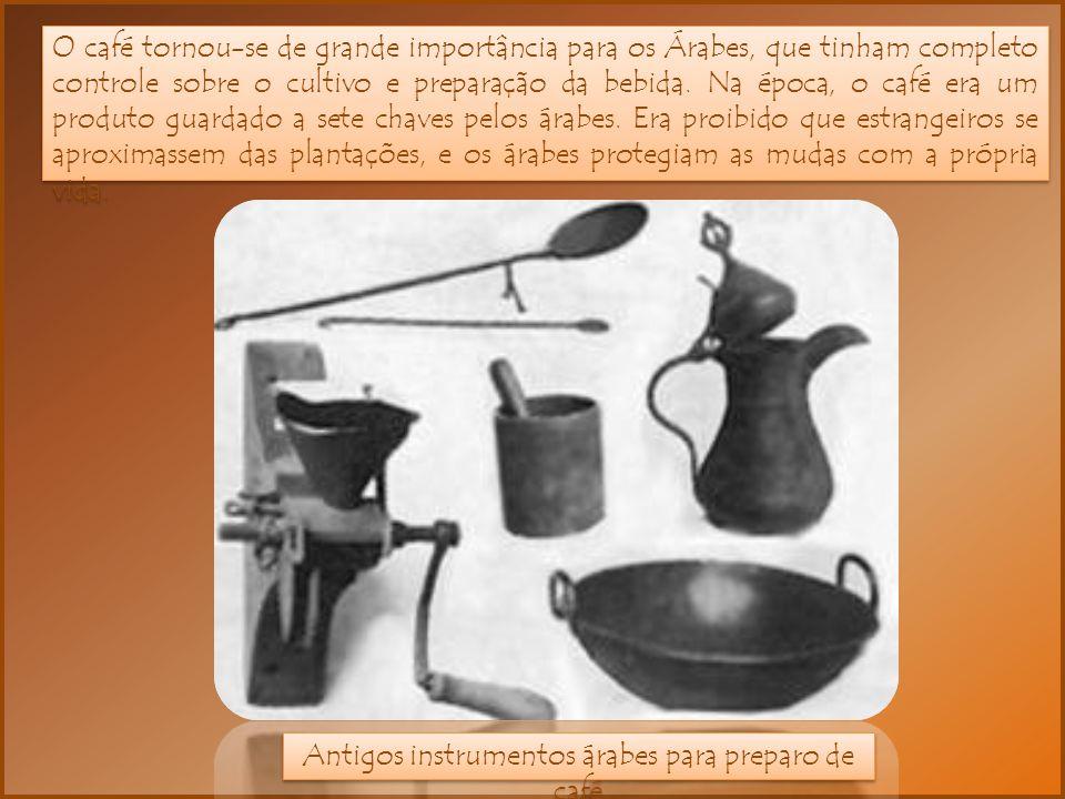 Antigos instrumentos árabes para preparo de café