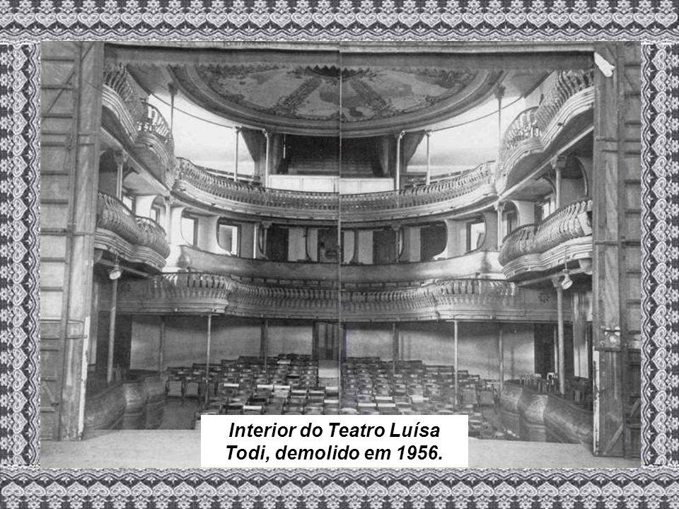 Interior do Teatro Luísa Todi, demolido em 1956.