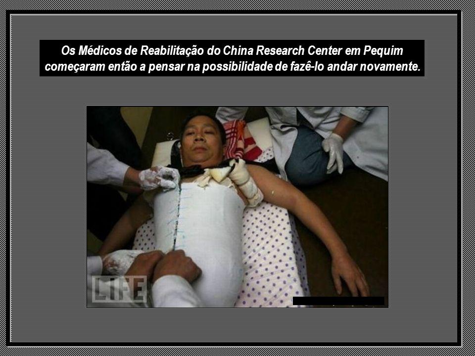 Os Médicos de Reabilitação do China Research Center em Pequim