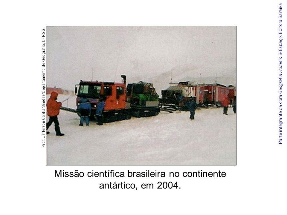 Missão científica brasileira no continente antártico, em 2004.