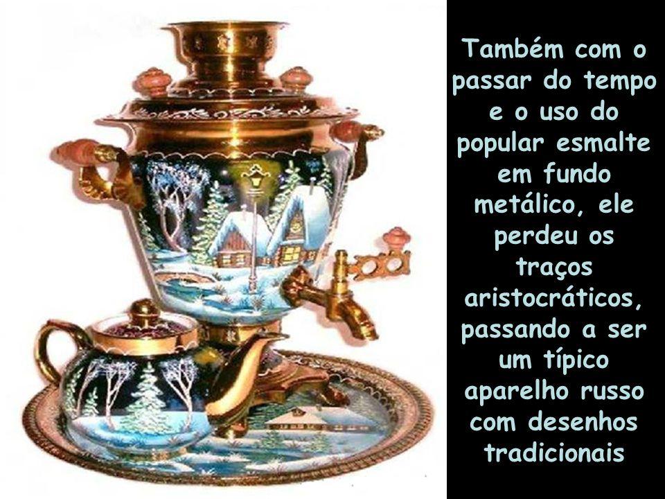 Também com o passar do tempo e o uso do popular esmalte em fundo metálico, ele perdeu os traços aristocráticos, passando a ser um típico aparelho russo com desenhos tradicionais