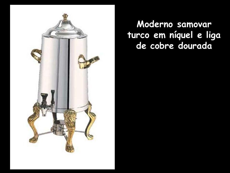 Moderno samovar turco em níquel e liga de cobre dourada
