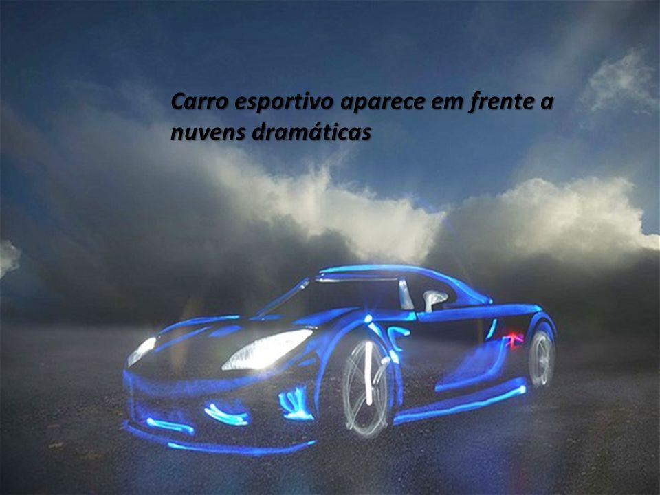 Carro esportivo aparece em frente a nuvens dramáticas