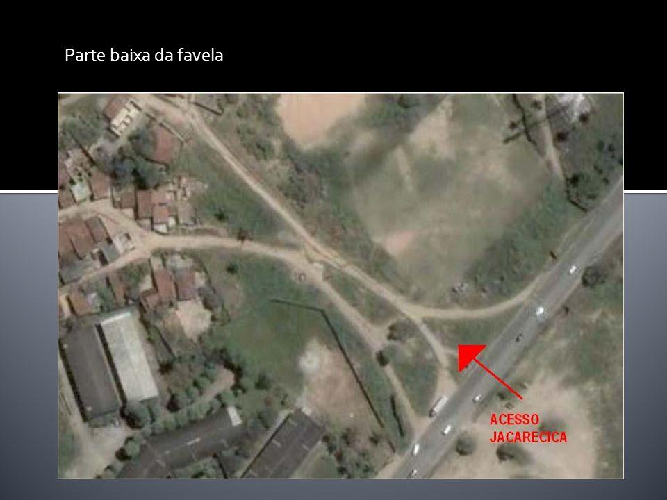 Parte baixa da favela
