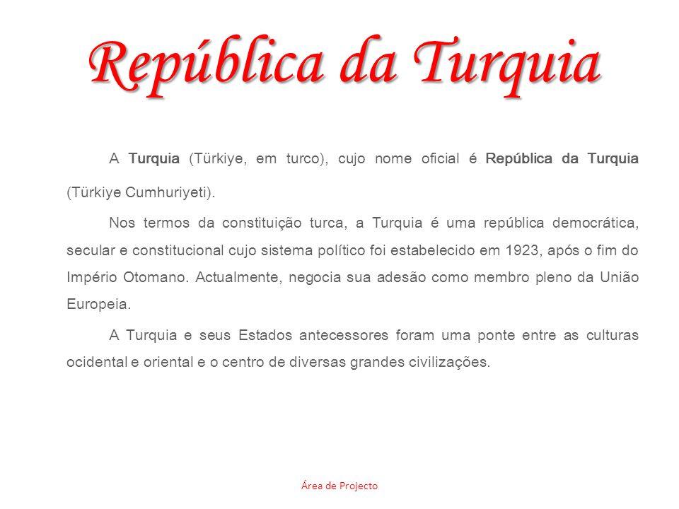 República da Turquia A Turquia (Türkiye, em turco), cujo nome oficial é República da Turquia (Türkiye Cumhuriyeti).