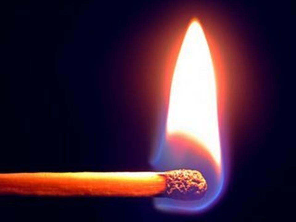 Luz Se propaga no vácuo e em certos meios materiais;
