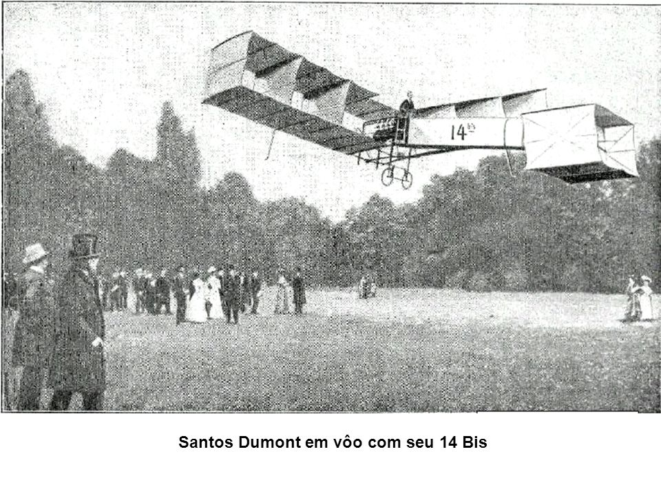 Santos Dumont em vôo com seu 14 Bis