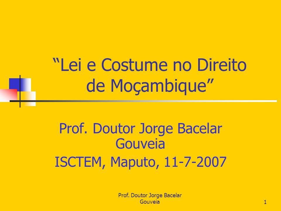 Lei e Costume no Direito de Moçambique