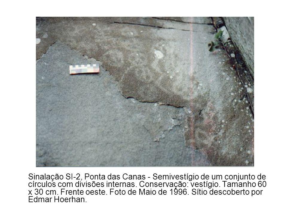 Sinalação SI-2, Ponta das Canas - Semivestígio de um conjunto de círculos com divisões internas.