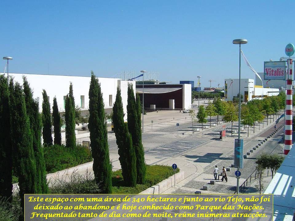 Este espaço com uma área de 340 hectares e junto ao rio Tejo, não foi deixado ao abandono e é hoje conhecido como Parque das Nações.