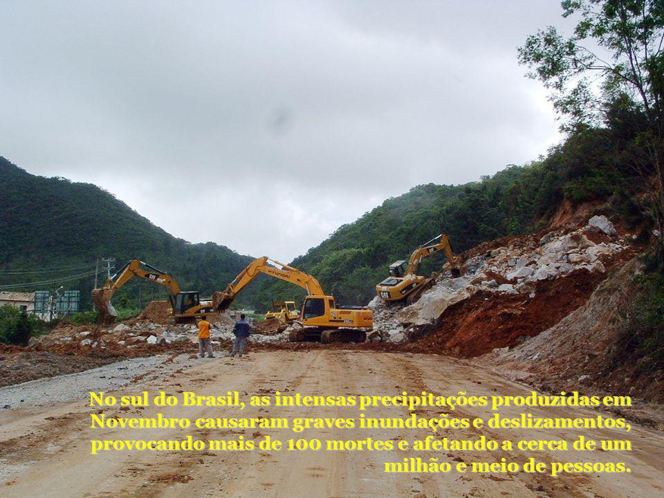 No sul do Brasil, as intensas precipitações produzidas em Novembro causaram graves inundações e deslizamentos, provocando mais de 100 mortes e afetando a cerca de um milhão e meio de pessoas.