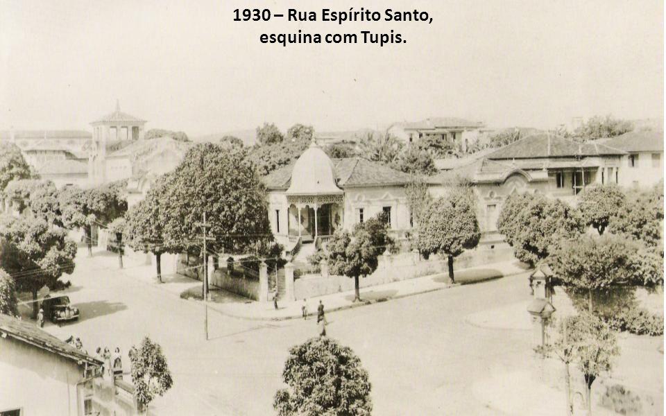 1930 – Rua Espírito Santo, esquina com Tupis.