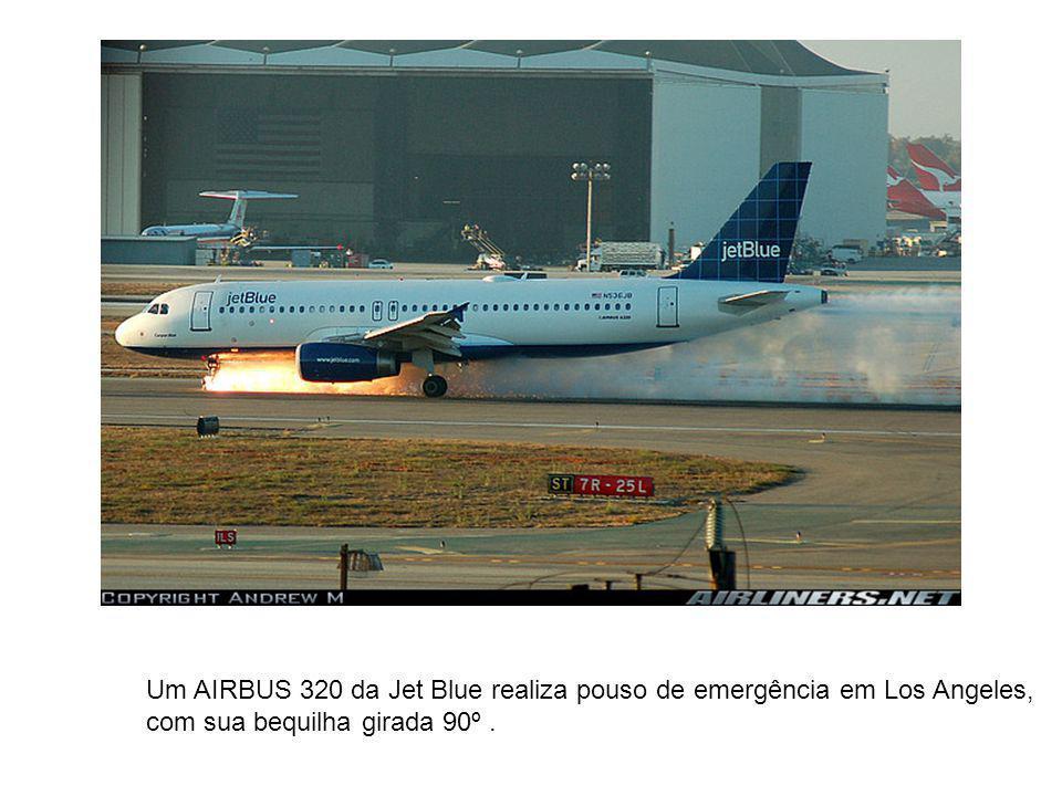 Um AIRBUS 320 da Jet Blue realiza pouso de emergência em Los Angeles,