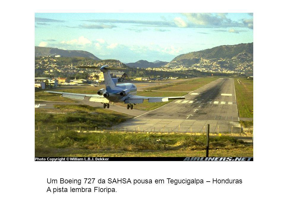 Um Boeing 727 da SAHSA pousa em Tegucigalpa – Honduras