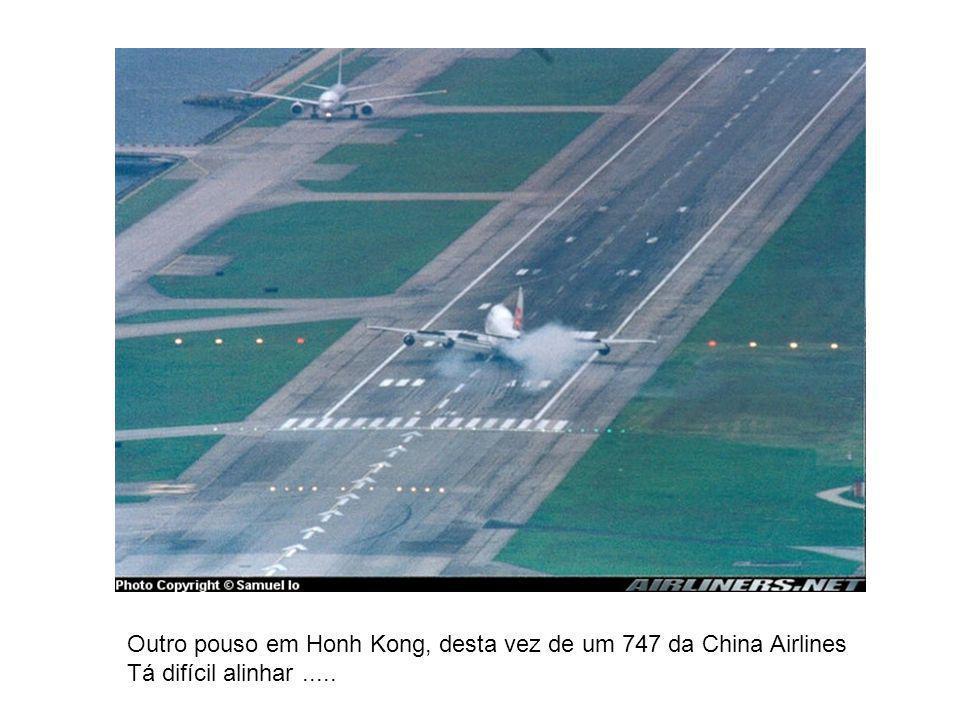 Outro pouso em Honh Kong, desta vez de um 747 da China Airlines