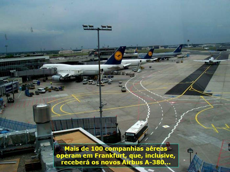 7221 Mais de 100 companhias aéreas operam em Frankfurt, que, inclusive, receberá os novos Airbus A-380...