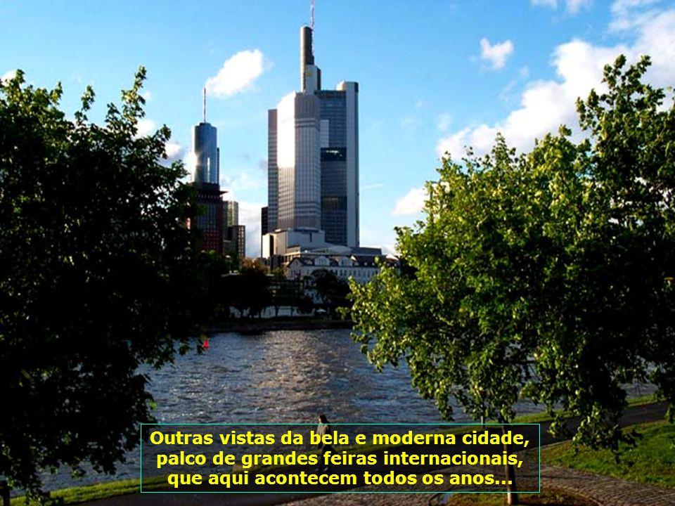 6183 Outras vistas da bela e moderna cidade, palco de grandes feiras internacionais, que aqui acontecem todos os anos...