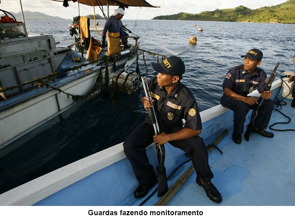 Guardas fazendo monitoramento