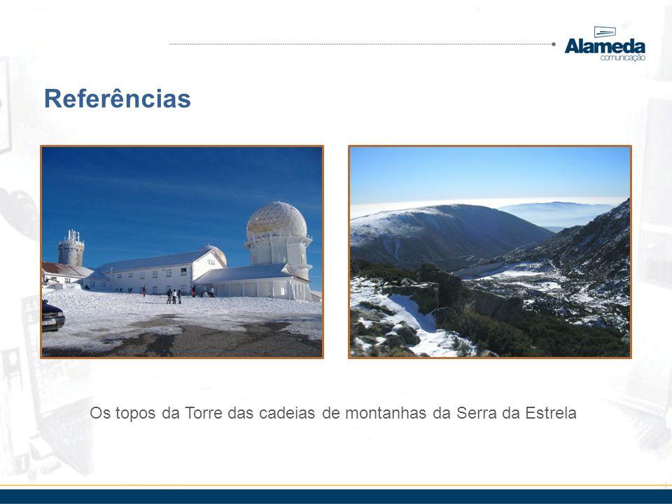 Os topos da Torre das cadeias de montanhas da Serra da Estrela