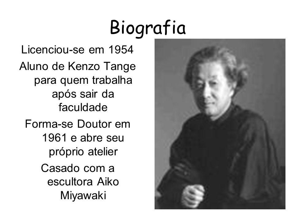 Biografia Licenciou-se em 1954