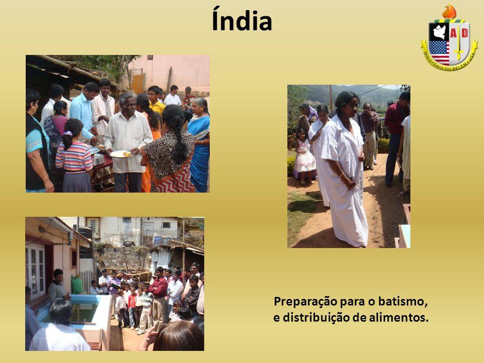 Preparação para o batismo, e distribuição de alimentos.