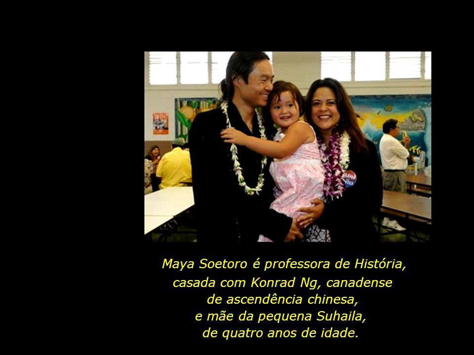 Maya Soetoro é professora de História,