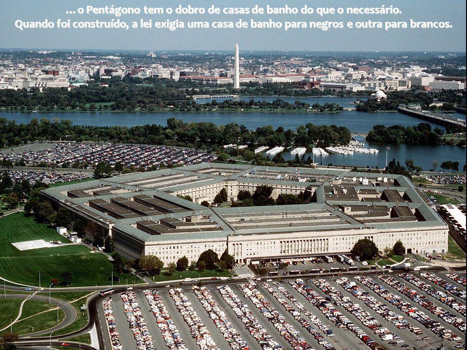 …o Pentágono tem o dobro de casas de banho do que o necessário