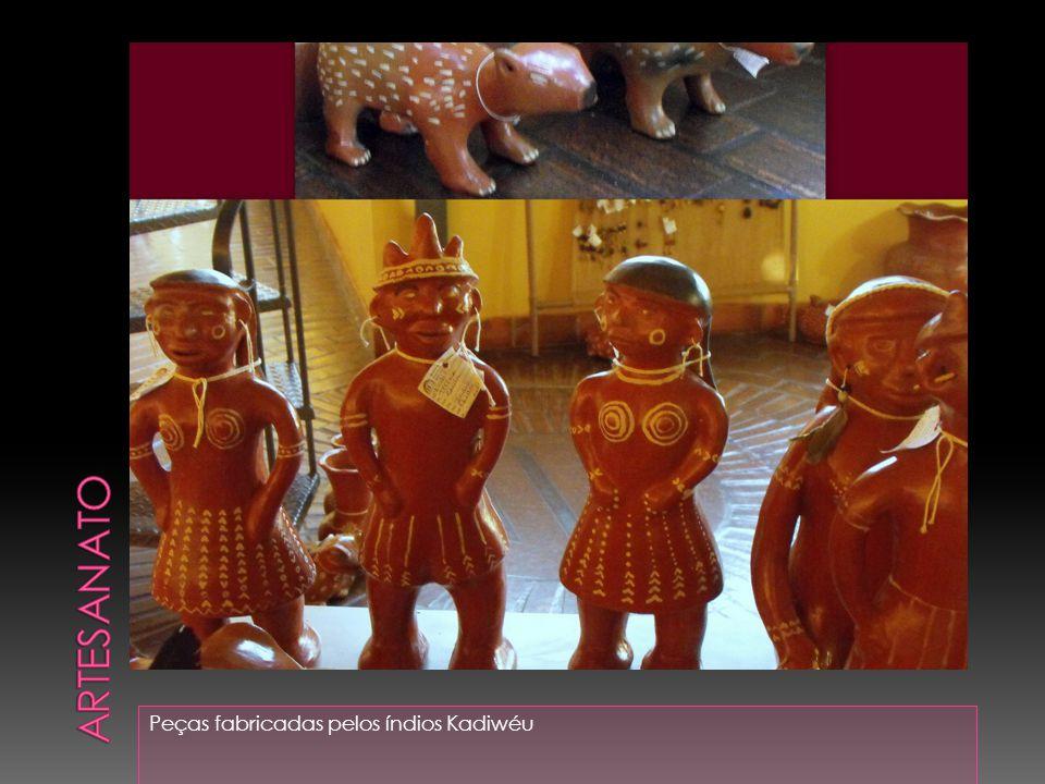 Artesanato Peças fabricadas pelos índios Kadiwéu