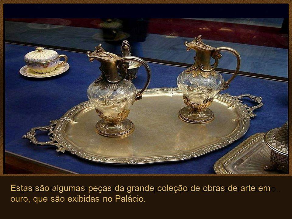 Algumas das muitas obras de arte que se pode admirar no Palácio..