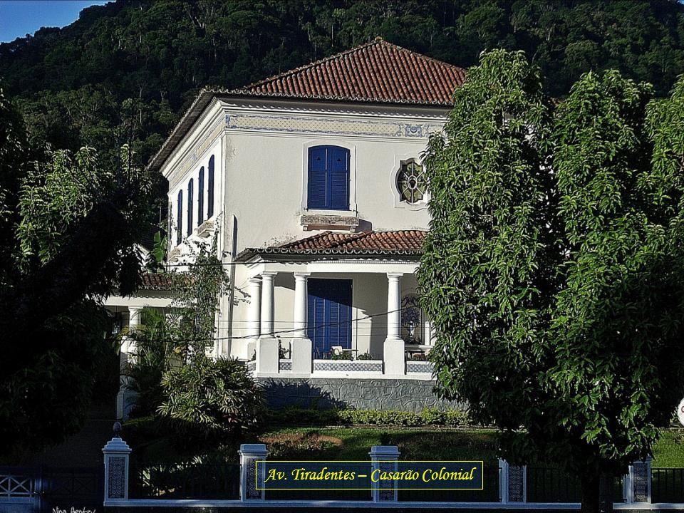 Av. Tiradentes – Casarão Colonial
