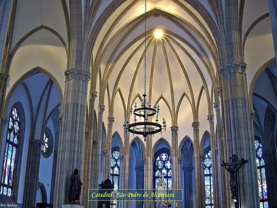 Catedral , São Pedro de Alcântara