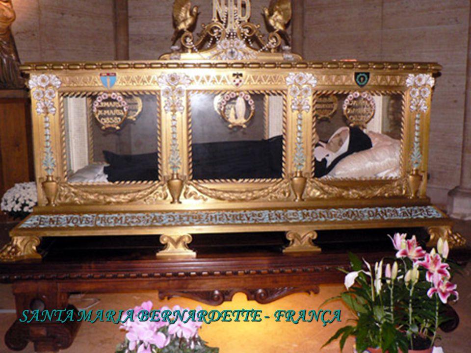 SANTA MARIA BERNARDETTE - FRANÇA