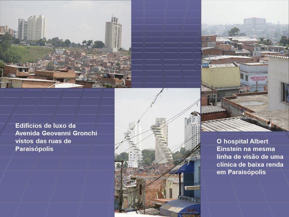 Edifícios de luxo da Avenida Geovanni Gronchi vistos das ruas de Paraisópolis