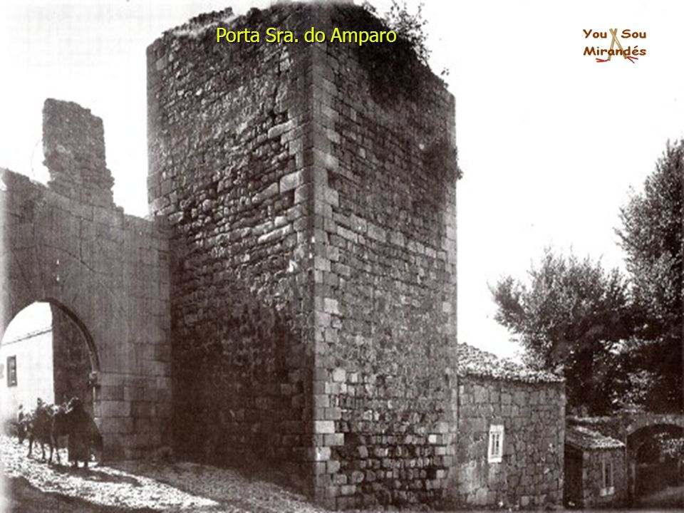 Porta Sra. do Amparo