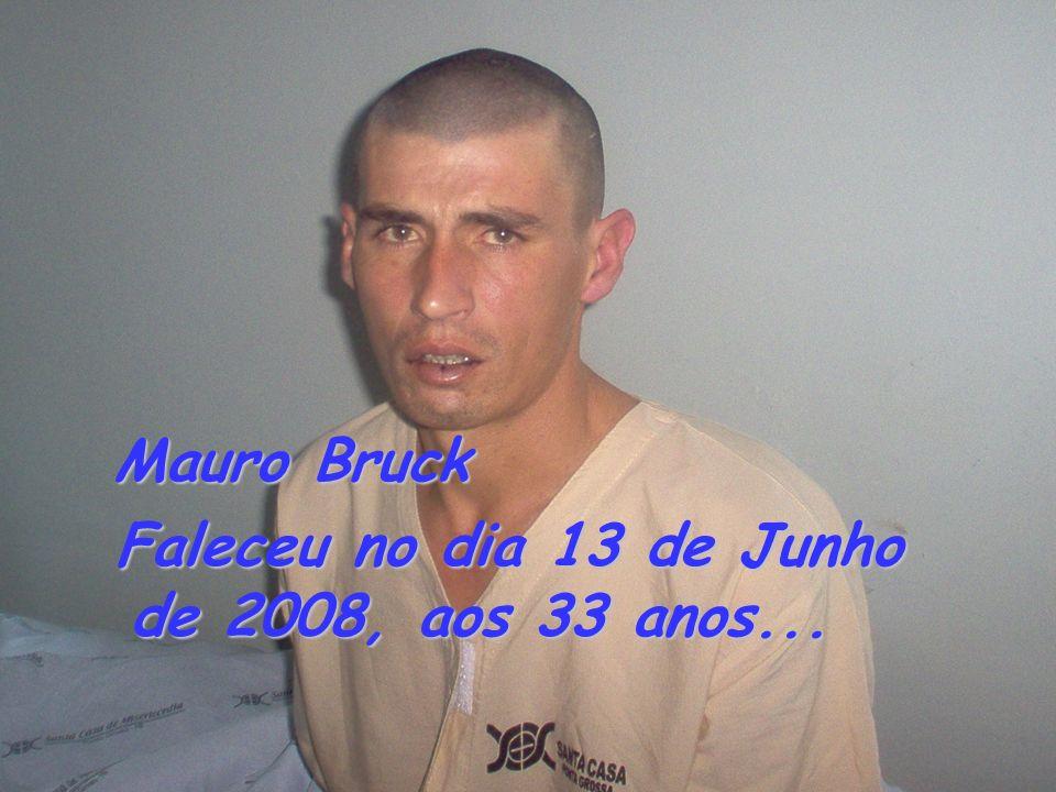 Faleceu no dia 13 de Junho de 2008, aos 33 anos...