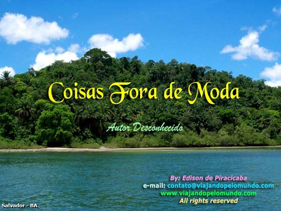 P0014663 - SALVADOR - COISAS FORA DE MODA - CAPA INICIAL-700 – Fonte Black Chancery 60 e Brusch Script 30